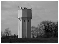 Peover_Superior_water_tower_1a_6-4-07.jpg
